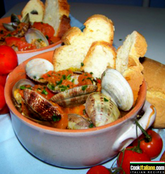 Genuine clams soup